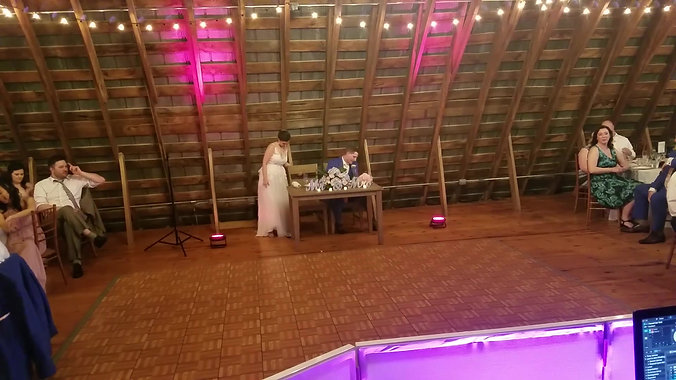 DJ Oscar_Barn_Wedding